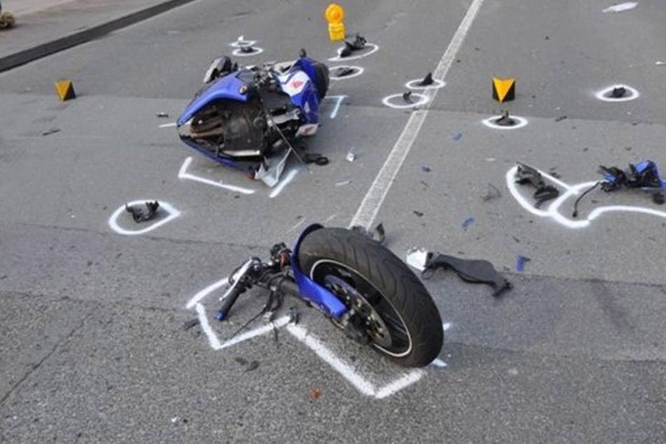 Junger Mann stirbt bei heftigem Motorrad-Crash