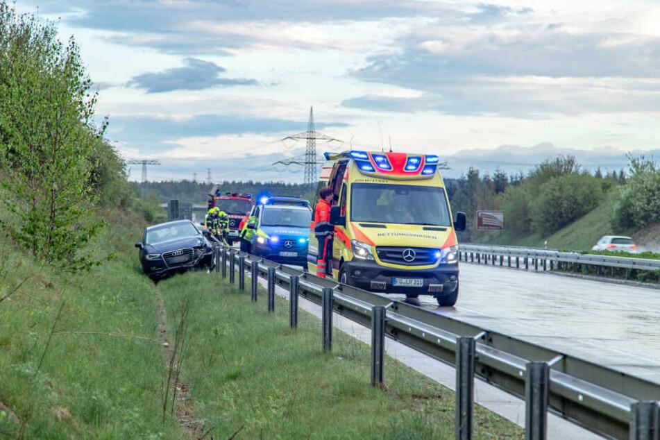 Im Einsatz waren bei dem Unfall 10 Kameraden der Feuerwehr Röhrsdorf sowie Rettungsdienst, Notarzt und Polizei.
