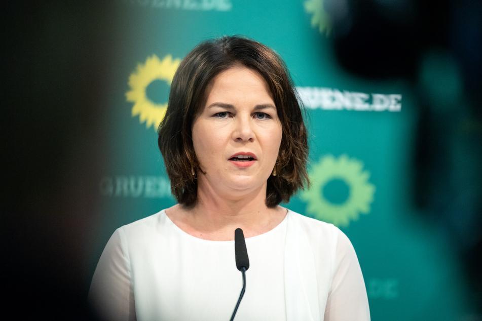 Nach dem Ärger um ihr Buch sollte alles besser werden. Stattdessen muss Annalena Baerbock (40, Die Grünen) schon wieder Nachmeldungen vornehmen.