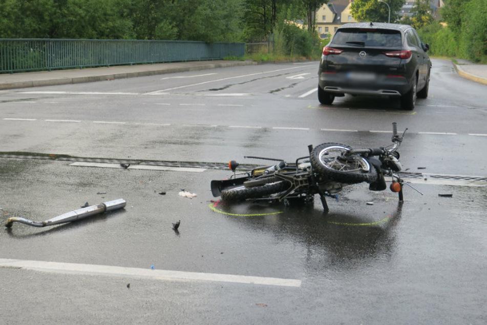16-jährige Moped-Fahrerin bei Unfall im Erzgebirge schwer verletzt