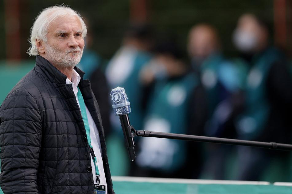 Bayer Leverkusens Geschäftsführer Rudi Völler (60) hadert nach dem Abgang von Kai Havertz (21) mit neuen Transfers.