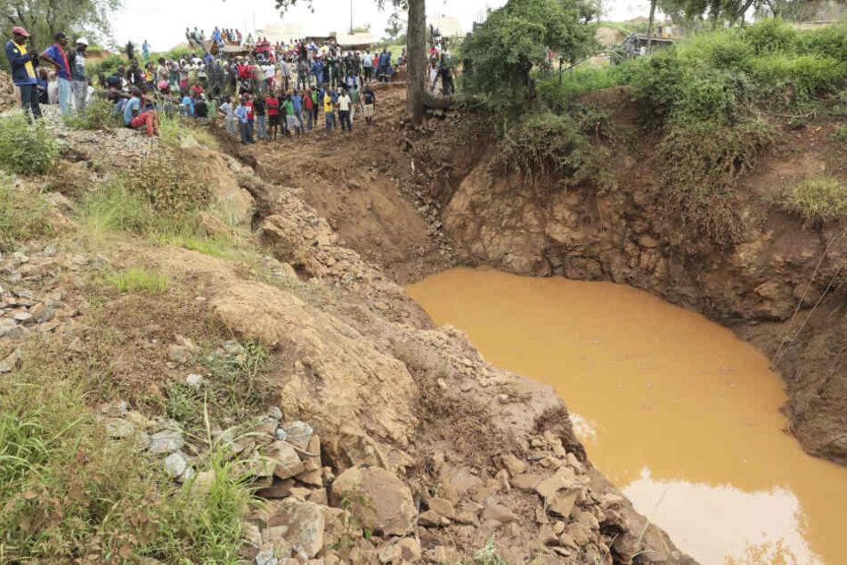 Bei einem ähnlichen Unglück sind Anfang des Jahres mehr als 20 Minenarbeiter in Simbabwe gestorben (Archivbild).