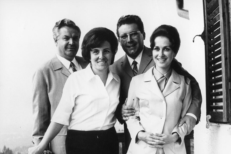 Über Jahrzehnte verband sie eine enge Freundschaft: Die Ehepaare Peter und Renate Schreier sowie Theo und Eleonore Adam 1969 (l.).