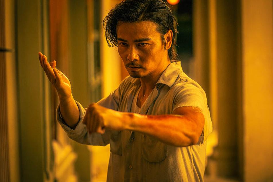 Cheung Tin Chi (Max Zhang) legt sich gleich mit Dutzenden Gegnern an.