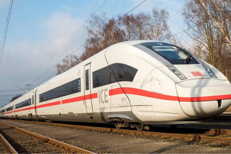 Der Vorfall ereignete sich in einem ICE der Deutschen Bahn.