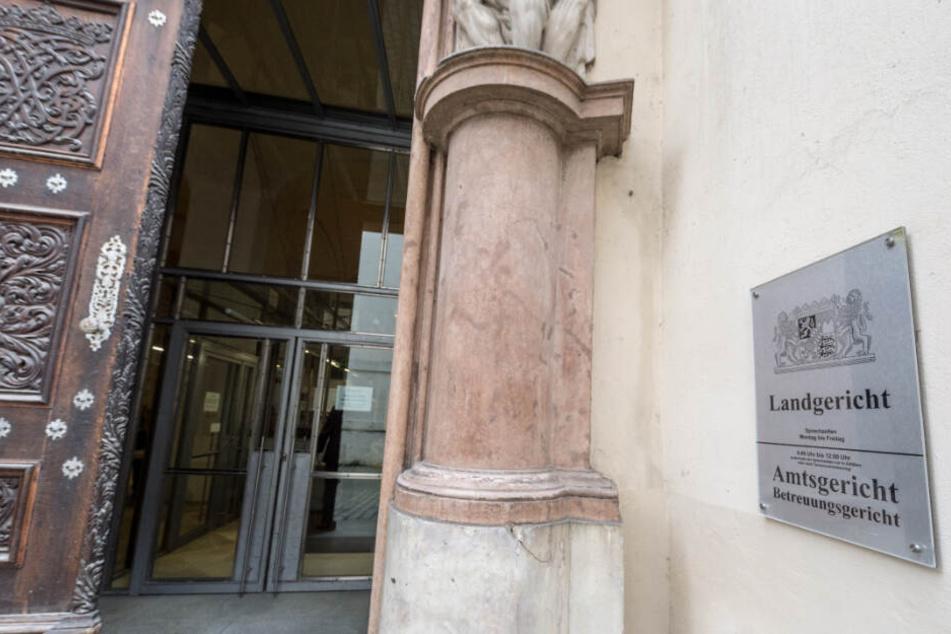 Der Eingang zum Landgericht Passau.