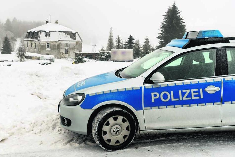 Das Landratsamt forderte für den Großeinsatz auch die Polizei zur Unterstützung an.