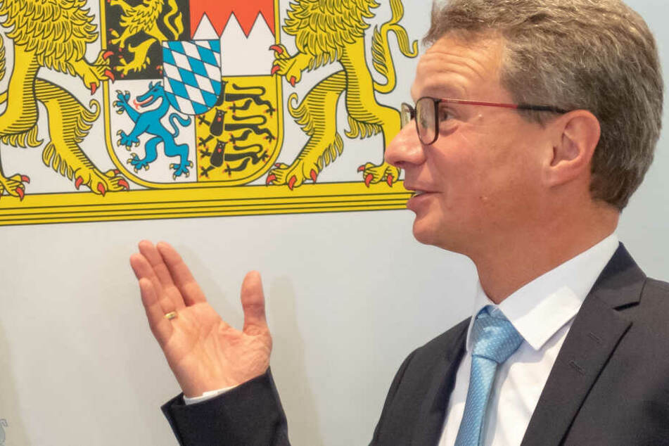 München: Bayern schreibt Professuren aus: Großer Andrang zur künstlichen Intelligenz