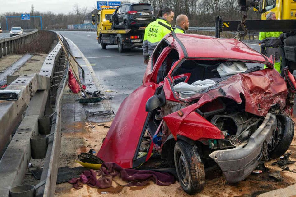 Geisterfahrerin verursacht drei Unfälle auf A59 verursacht - Die Polizei ermittelt