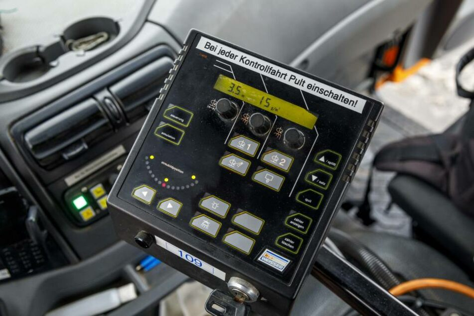 Diese kleine Datenkiste zeichnet die Einsatzdetails der Streufahrzeuge auf  und übermittelt die GPS-Daten.