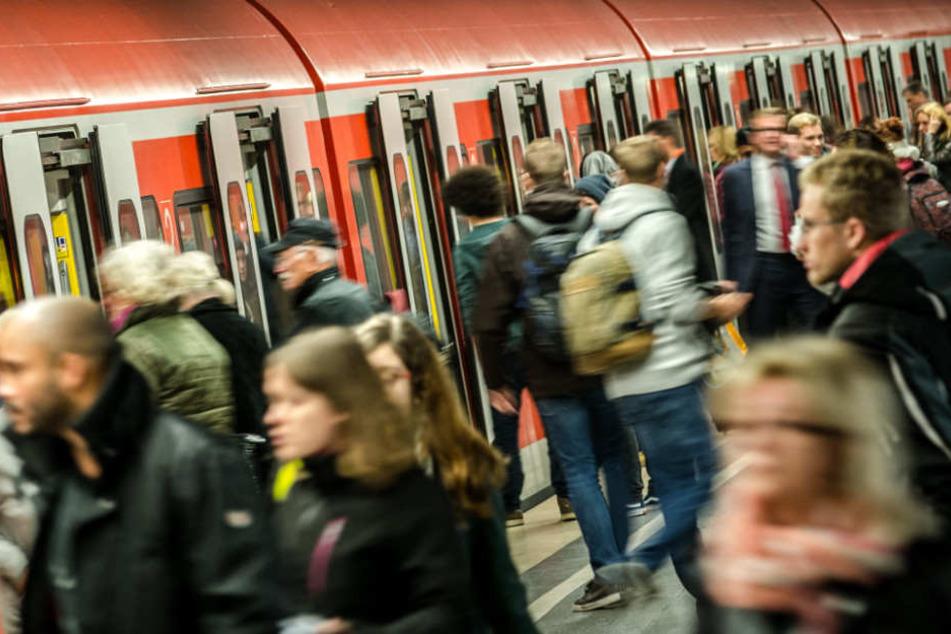 In München kam es im Netz der S-Bahn am Dienstag zu teils erheblichen Verspätungen.