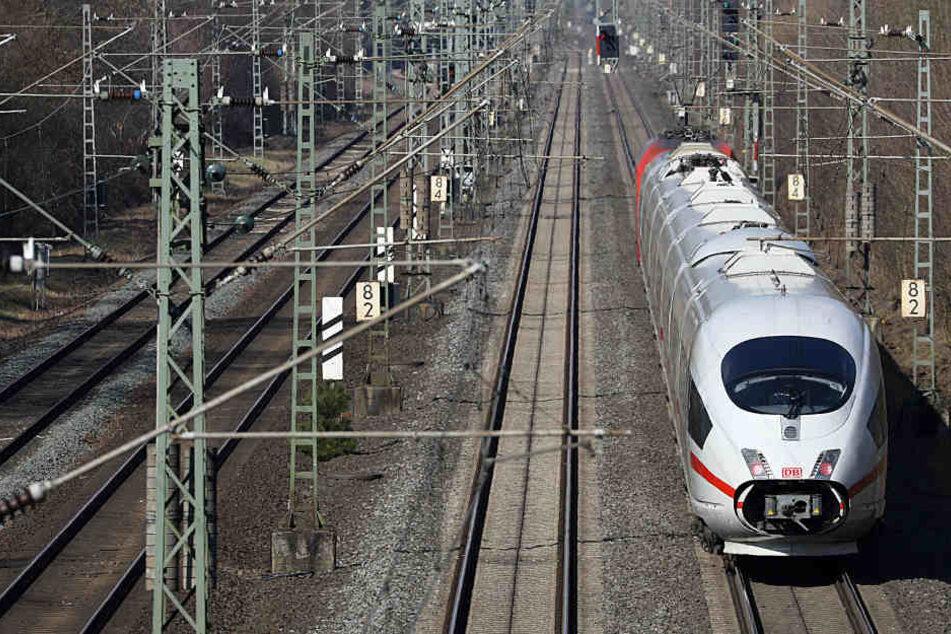 Die Bauarbeiten zwischen Leipzig und Bitterfeld konnten erst kürzlich beginnen und werden bis 28. März verlängert.