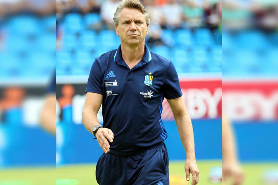 """CFC-Coach Horst Steffen verlangt heute im Spiel beim SC Paderborn vor allem """"Kampf und die Laufbereitschaft in der Defensive""""."""
