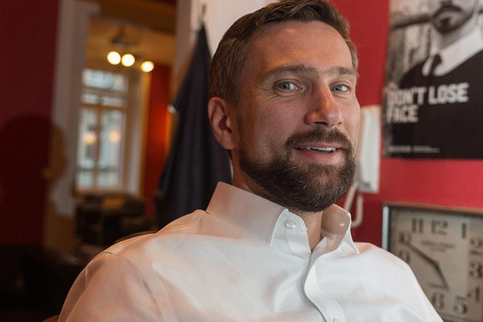 Letztes Foto mit Bart: Minister Martin Dulig (43, SPD) will sich von seinem  Urlaubsmitbringsel wieder trennen.