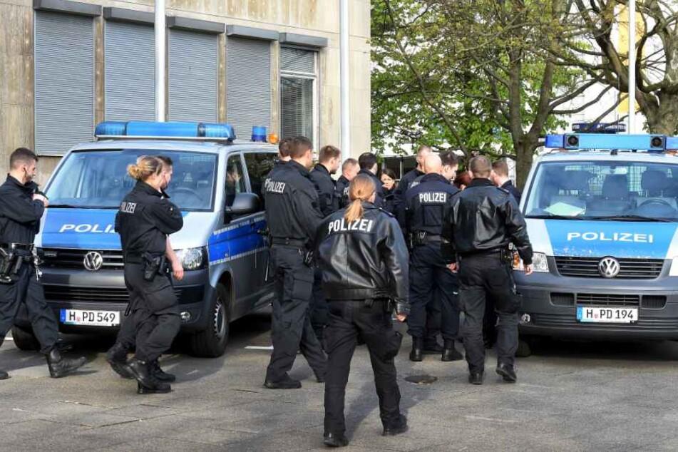Mehrere Clan-Mitglieder konnten von der Polizei gestellt werden. (Symbolbild)