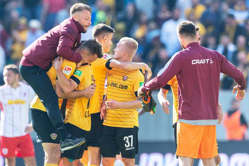 Kann Dynamo Dresden in Aue wieder so jubeln wie am vergangenen Wochenende gegen Regensburg?