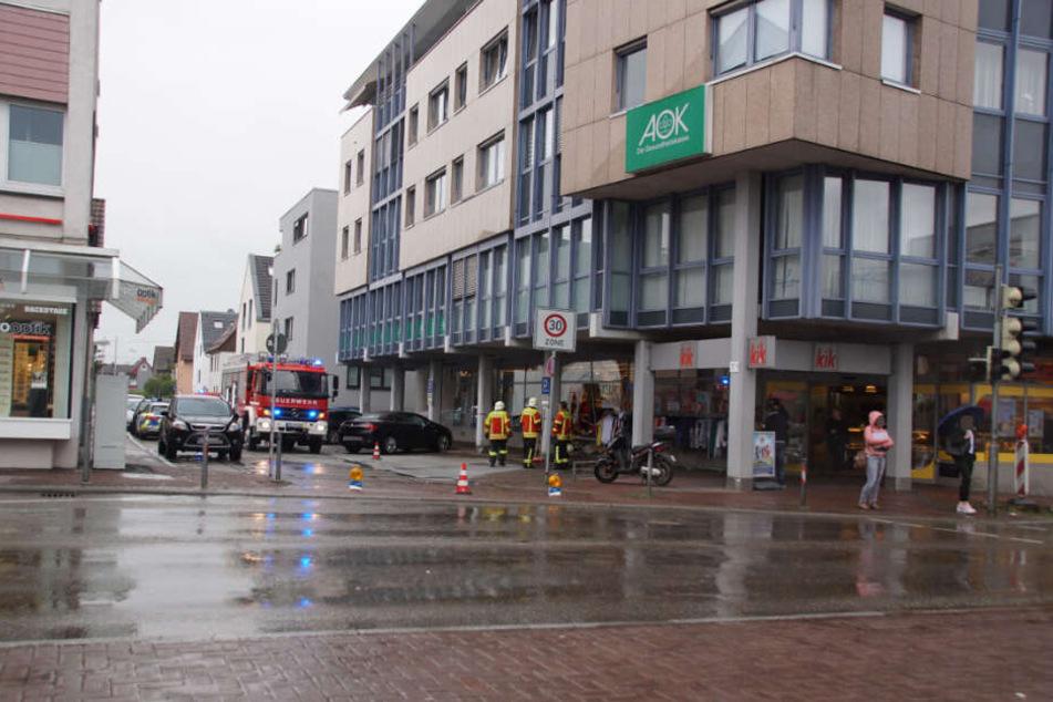 Einsatzkräfte an der Unfallstelle in Ostfildern.