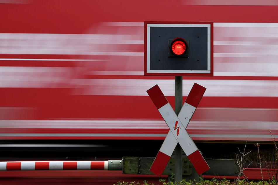 Am Unfallort seien zahlreiche Familienangehörige des aus dem Bonner Stadtteil Rüngsdorf stammenden Jungen erschienen. (Symbolbild)