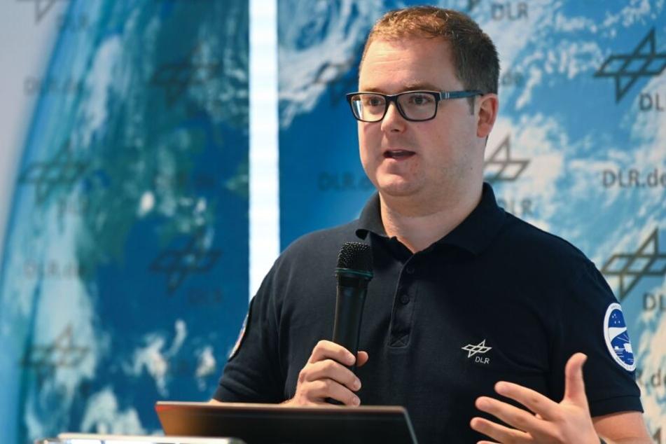 Paul Zabel, Forscher im Deutschen Zentrum für Luft-und Raumfahrt (DLR), stellt das Gewächshaus-Konzept für Mond und Mars vor.