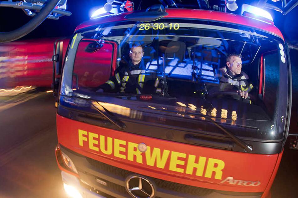 Die Feuerwehr brachte den Kellerbrand im Gerichtsweg schnell unter ihre Kontrolle (Symbolbild).