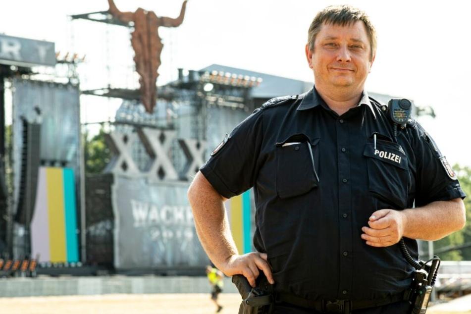 """""""Früher waren einige Freaks dabei"""": Polizist kennt Wacken-Festival seit 1998"""
