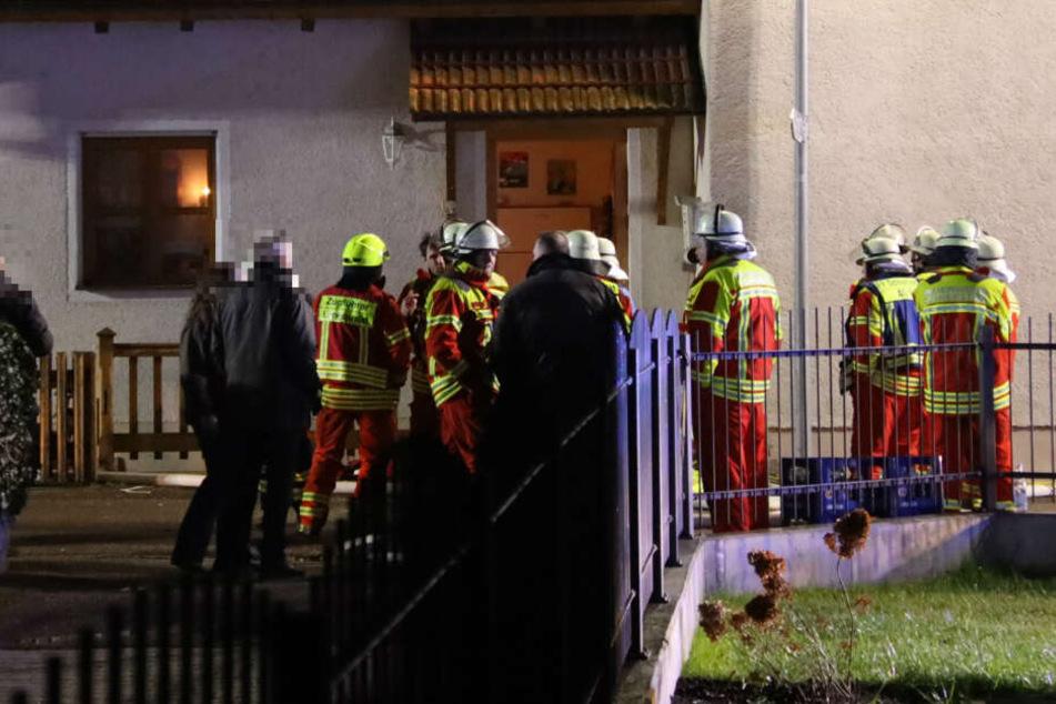 In einem bewohnten Kellerraum eines Mehrfamilienhauses brach das Feuer aus.