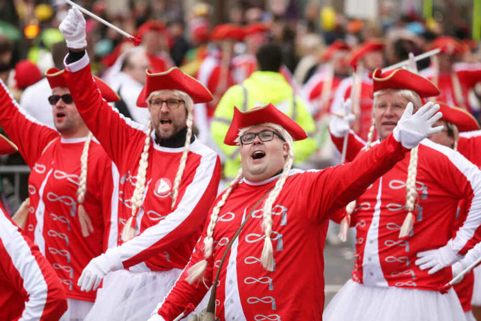In den Karneval-Hochburgen regieren jetzt wieder die bunten Narren.