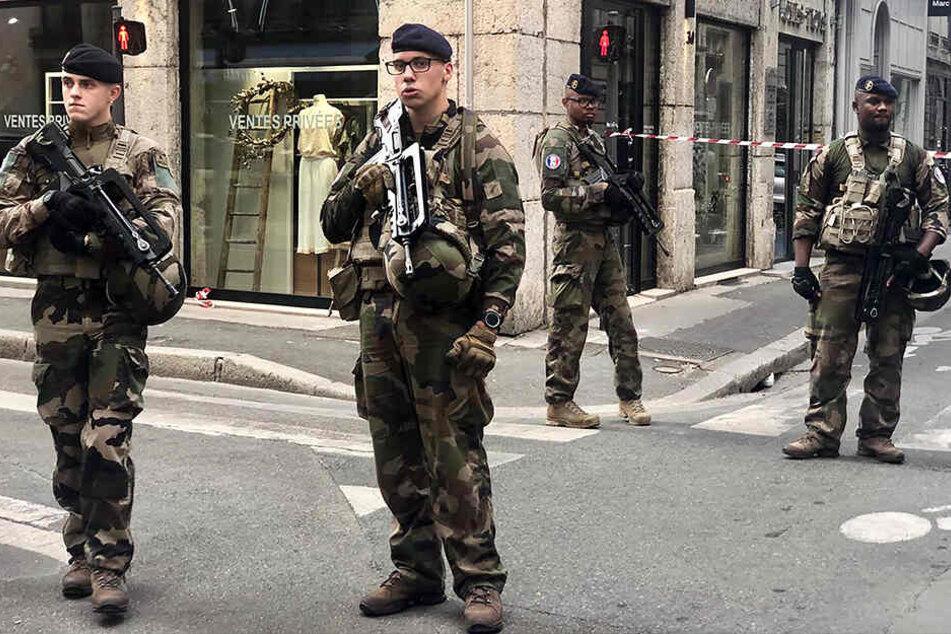 Lyon - Terrorverdacht nach Explosion mit mehreren Verletzten