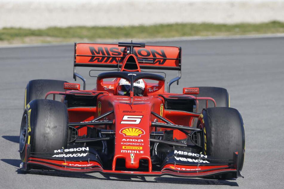 Der neue Ferrari von Sebastian Vettel bei den Testfahrten in Barcelona.