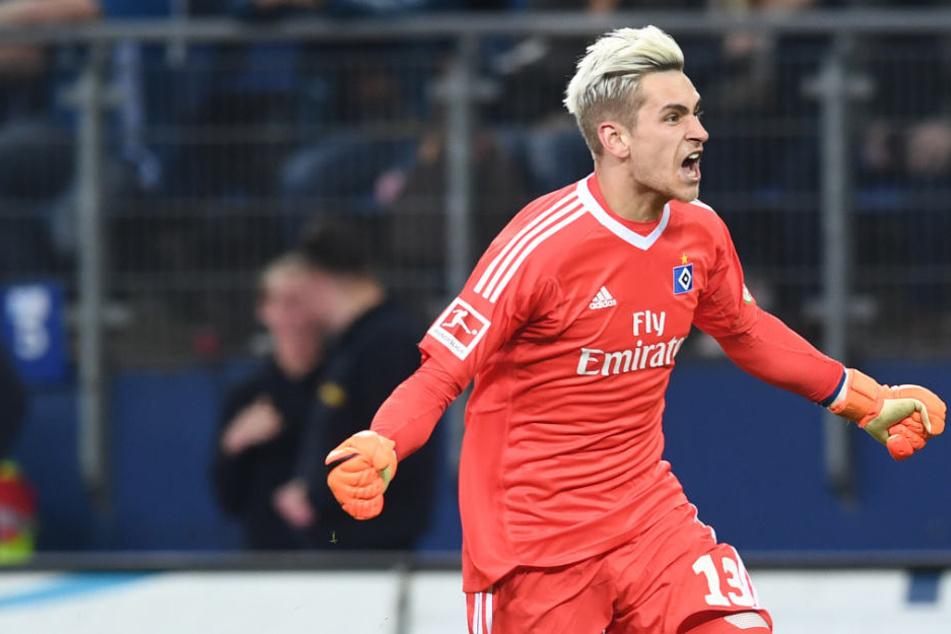 Hamburgs junger Torwart Julian Pollersbeck kann vermutlich den Verein verlassen.