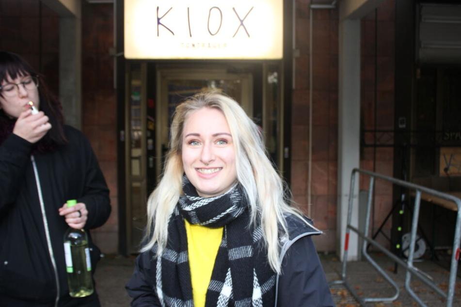 Alice (21) aus Chemnitz ist großer Kummer-Fan. Sie wartet gespannt auf die Eröffnung.