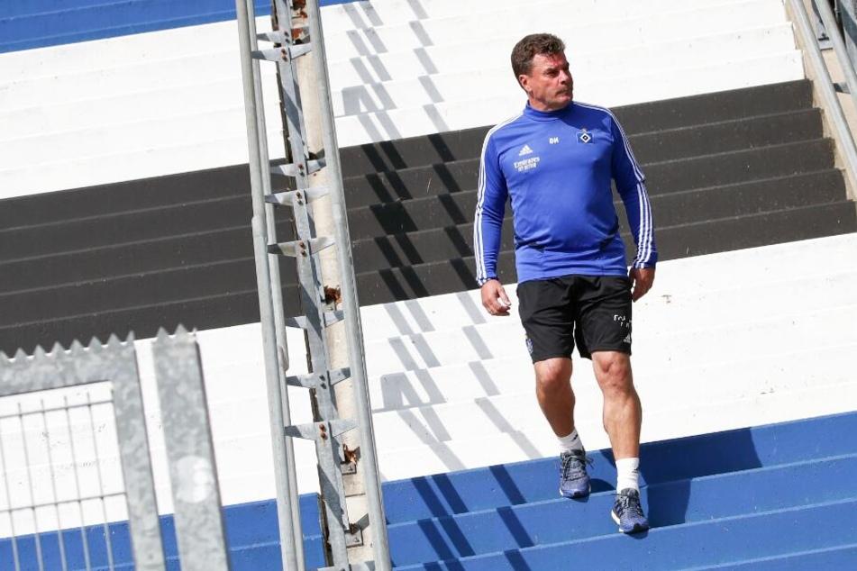 Der 55-jährige Coach kommt zum Training beim HSV.