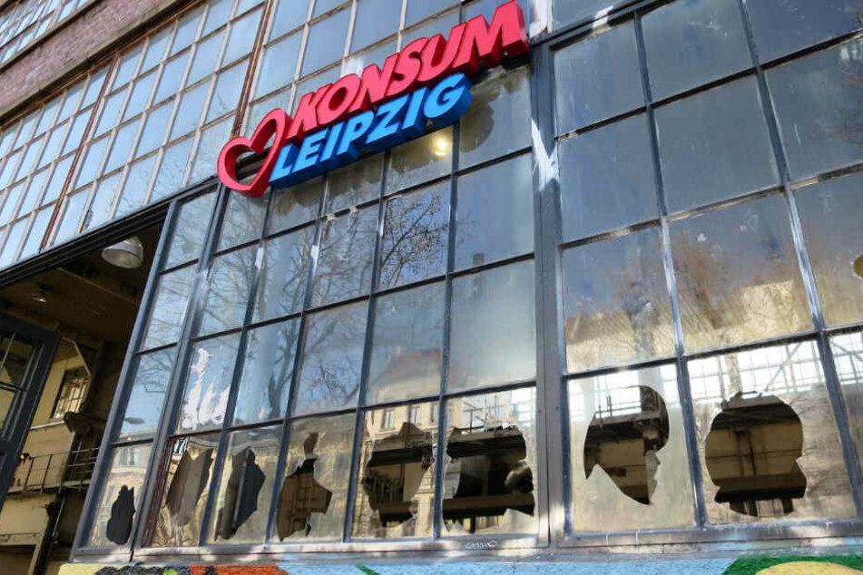 Kaputte Scheiben - insgesamt 52 Fenstergläser wurden nach Polizeiangaben eingeworfen.