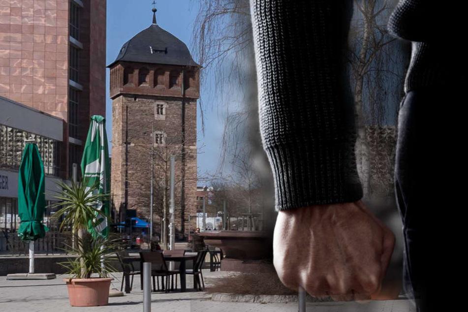 Der Vorfall ereignete sich in der Nacht zum Sonntag am Johannisplatz - mitten in der Innenstadt.