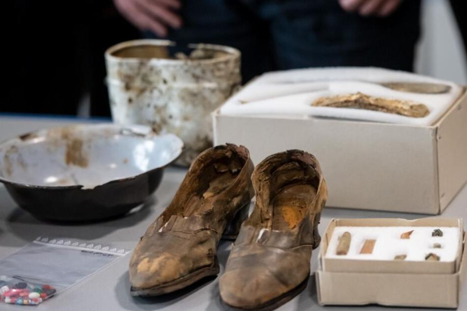 Grausame Funde! Hunderte Menschen im Sauerland hingerichtet