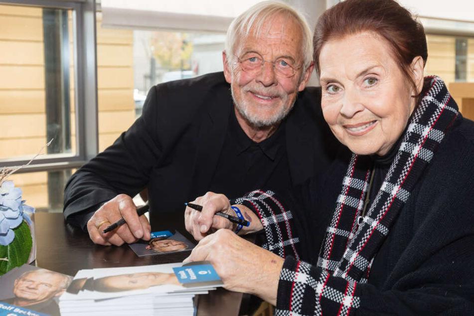 Von Ihren Kollegen wird Ursula Karusseit (rechts) schmerzlich vermisst.