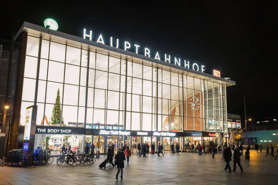 Wegen einer Bombendrohung wurde der Kölner Hauptbahnhof gesperrt.