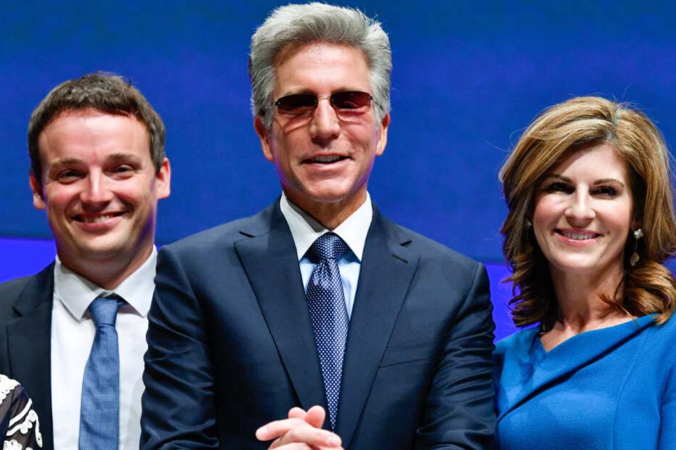 Christian Klein (l.), Bill McDermott, Jennifer Morgan (r.).