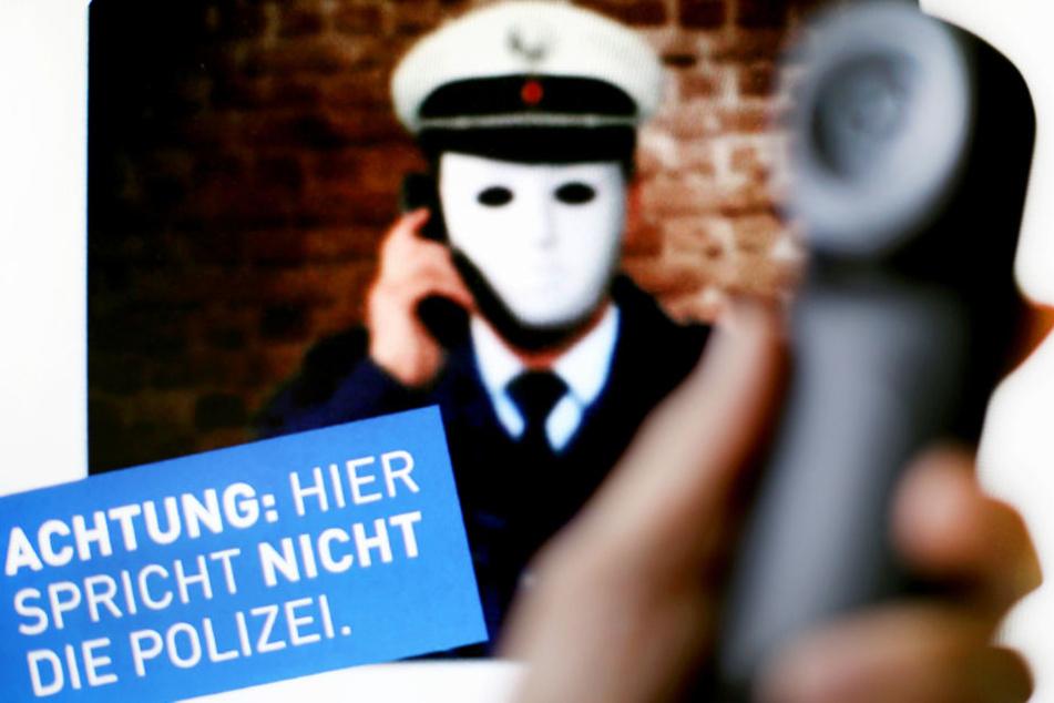 Die Lübecker Polizei warnt derzeit vor Anrufen von falschen Kriminalbeamten.