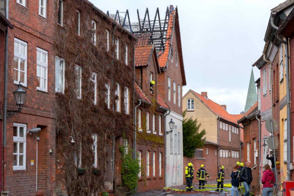 Der Einsatz war aufgrund der engen Straßen in der historischen Altstadt von Lüneburg besonders heikel.