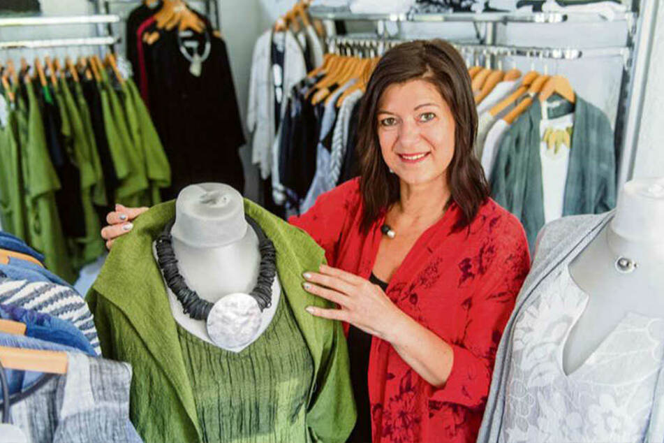 """Zeitlose Mode: Designerin Silke-Manon Wiesnet gründete 1997 das Label """"Manon Design"""" in ihrer vogtländischen Heimat."""