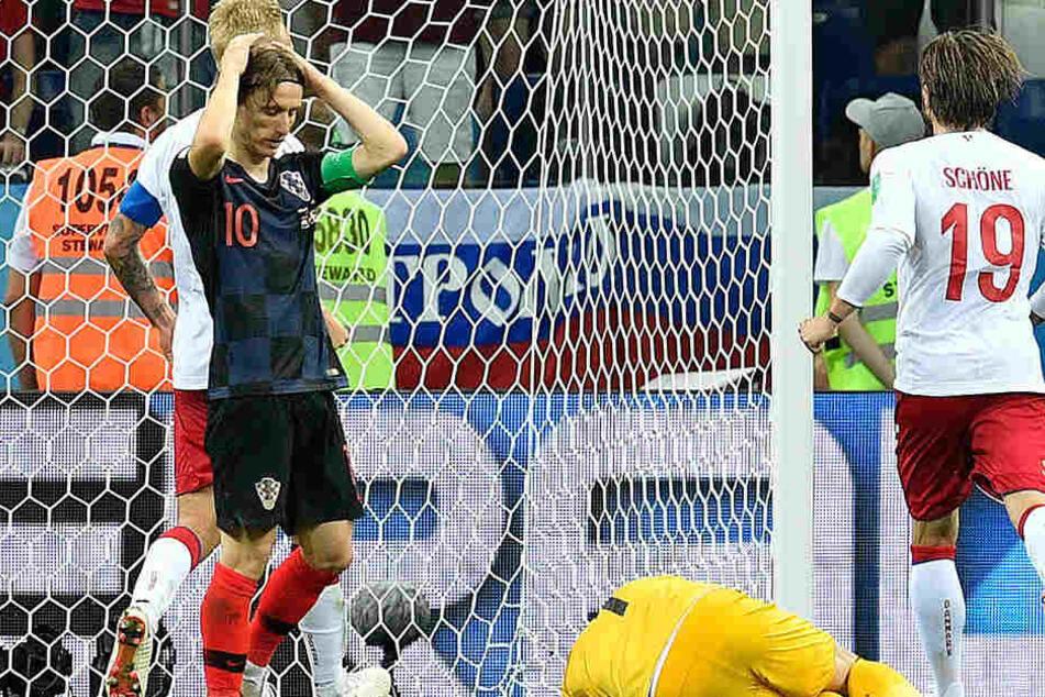 Luka Modric verballert den fälligen Elfmeter. Kroatien ist dennoch weiter.