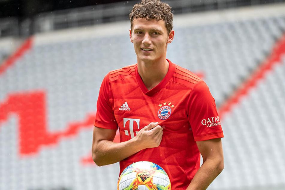 teuerster Verkauf der zweiten Liga. Weltmeister Benjamin Pavard verließ die Schwaben für 35 Millionen Euro zum FC Bayern.