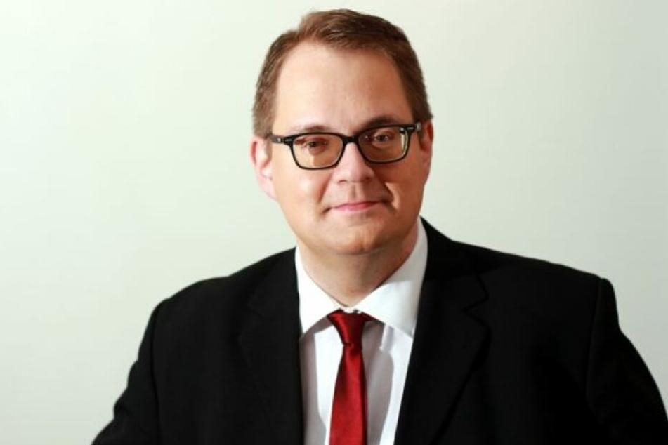 Der Vandalismus hält den Bundestagsabgeordneten nicht von seinem politischen Engagement ab.