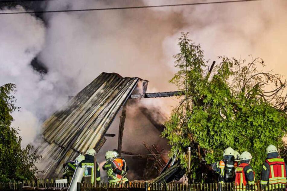 Unwetter in Sachsen: Gewitter-Blitz setzt Scheune in Brand!