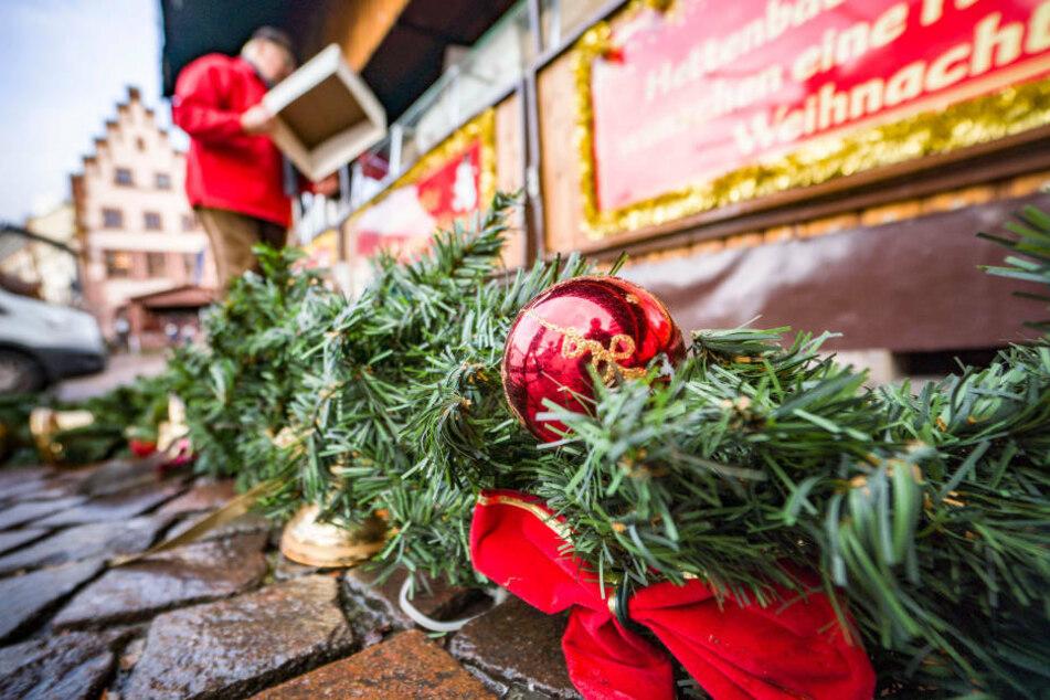 """""""Ich möchte, dass es wieder Weihnachts-Märkte gibt"""", sagte Bouffier als Beispiel für mögliche Veranstaltungen unter Corona-Bedingungen."""