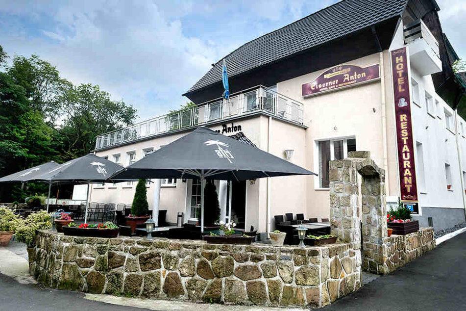 """Das Hotel """"Waldschloss"""" hat sich nach dem Urteil wieder umgenannt. Es ist wieder der """"Eiserne Anton""""."""