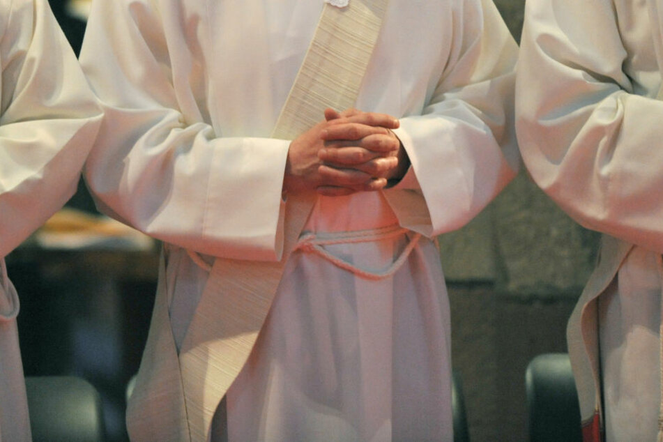 Das Zölibat habe für den Pfarrer immer auch Einsamkeit bedeutet. (Symbolbild=