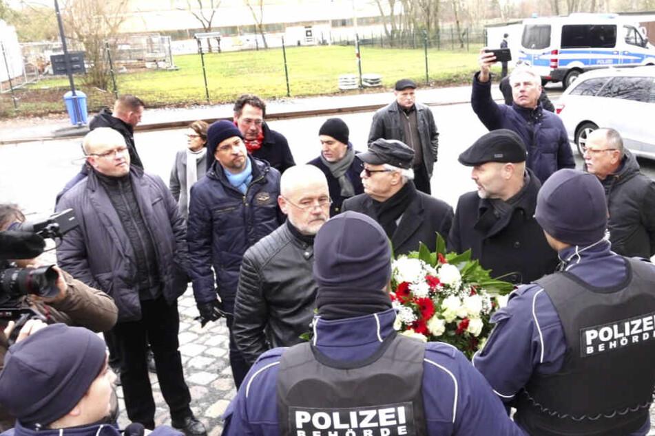 Kranz-Zoff am Friedenstag: AfD am Eingang abgewiesen!