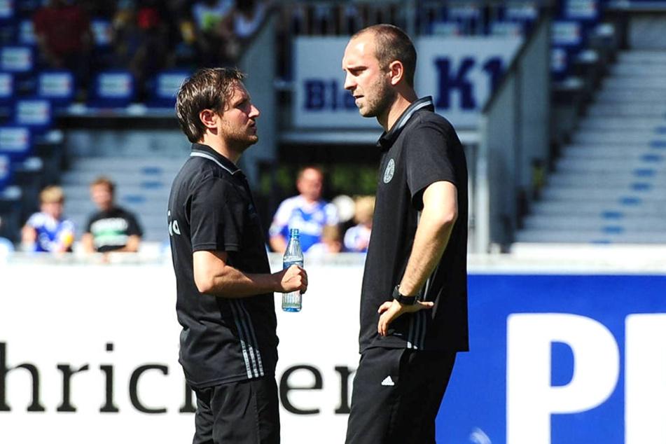 Für zwei Spiele war Hannes Drews zusammen mit Ole Werner (r.) auch Interimstrainer bei den Herren von Holstein Kiel.